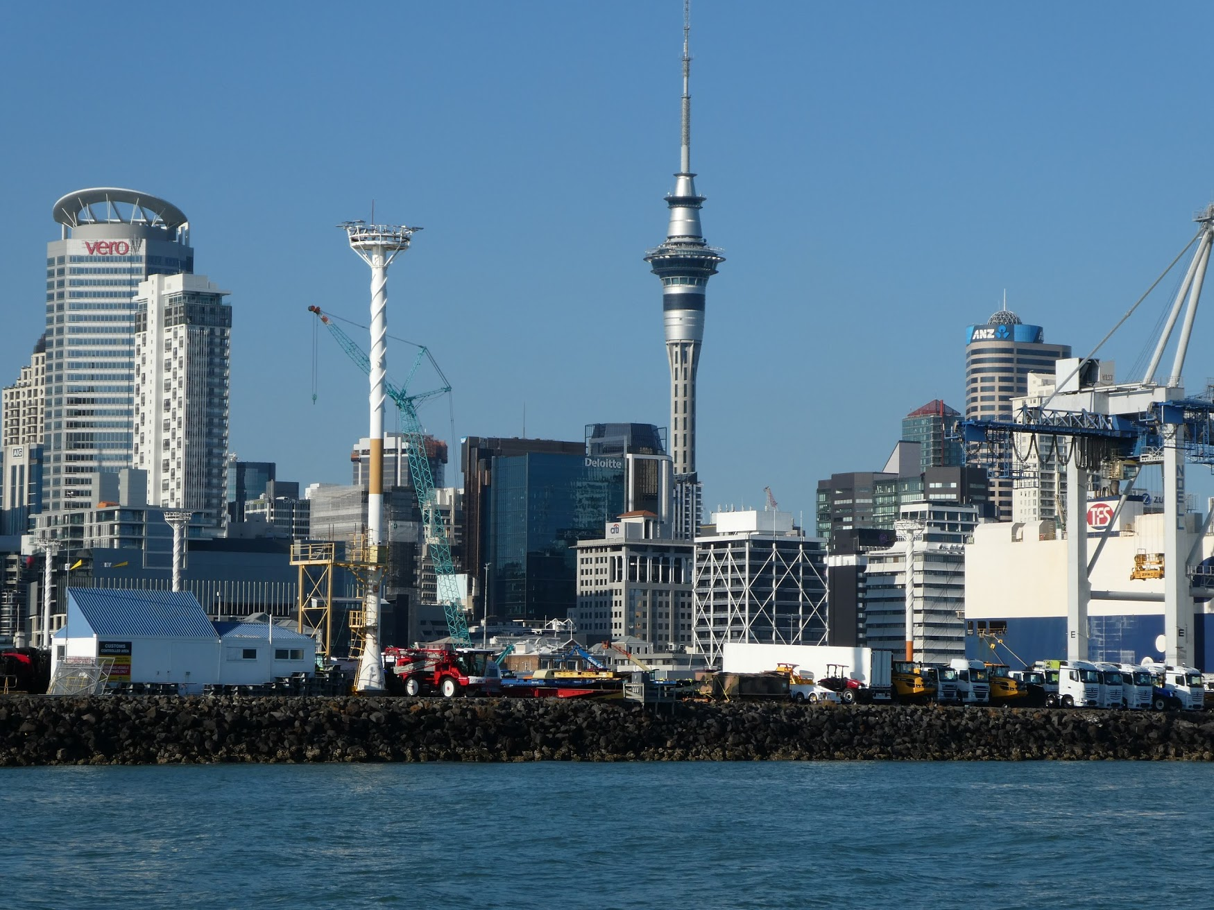 Auckland-skyline-things-to-do-newzealand